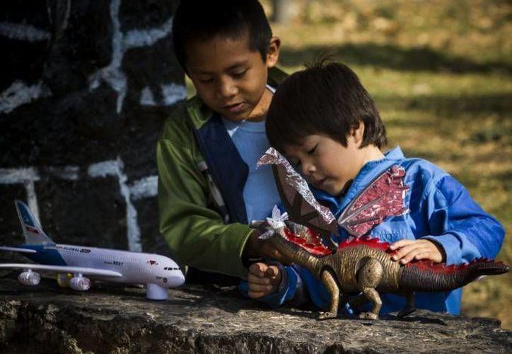 El número de menores indocumentados que llegan a los Estados Unidos ha rebasado la capacidad de las autoridades. (Archivo/agencias)