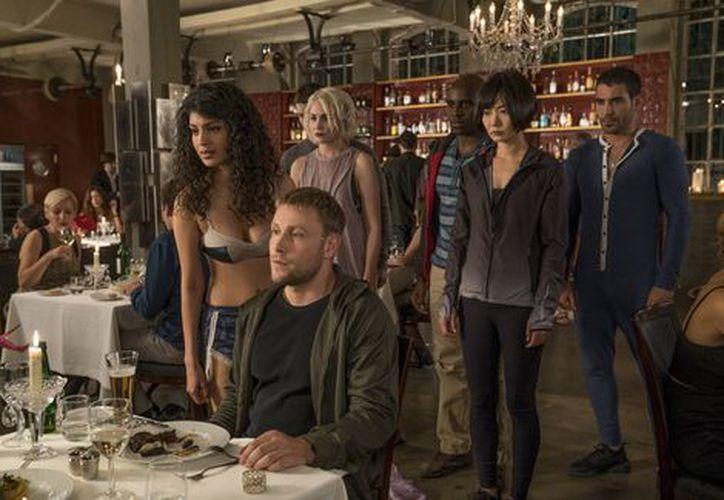 Netflix no ha mostrado una postura sobre renovar 'Sense8'. (Especial).