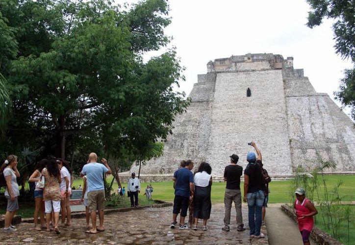 La zona arqueológica de Uxmal es la segunda con mayor actividad turística. (Milenio Novedades)