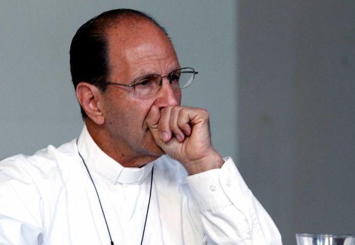 El padre Alejandro Solalinde Guerra considera que el gobierno le está dando un manejo político al caso de los normalistas. (Notimex)