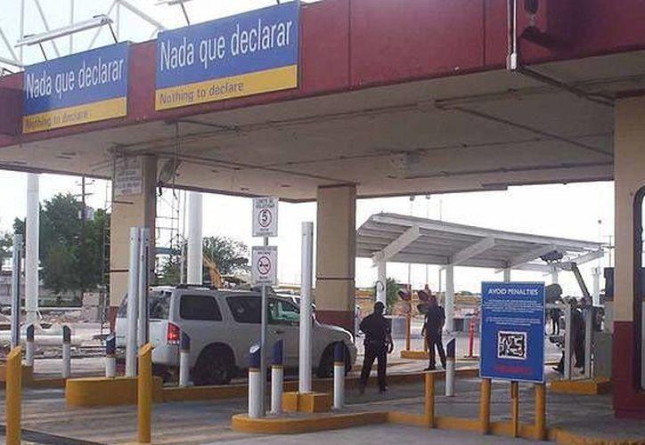 El cargamento de cocaína que llevaba una mujer mexicana fue detectado en el puente internacional Anzaldúas. (conexiontotal.mx)
