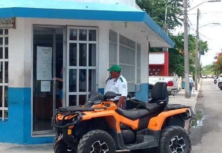 El INM realiza operativos en Cozumel en busca de extranjeros que trabajen sin los permisos correspondientes. (Irving Canul/SIPSE)