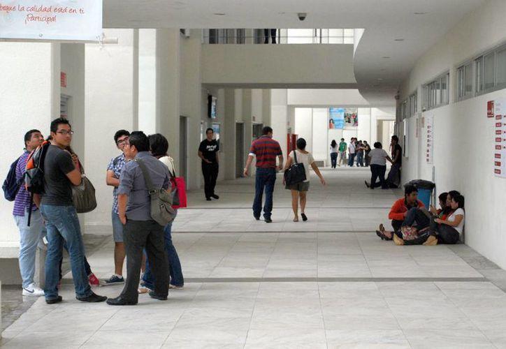 Inconforma a estudiantado el aumento en precios en la cafetería. (Tomás Álvarez/SIPSE)