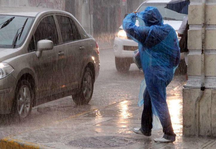 Algunos cambios en las condiciones climatológicas, como por ejemplo, el aumento en la temperatura del la superficie del mar en el Atlántico, el pronóstico de ciclones para México volvió a cambiar. Imagen de contexto con fines ilustrativos. (José Acosta/SIPSE-Archivo)