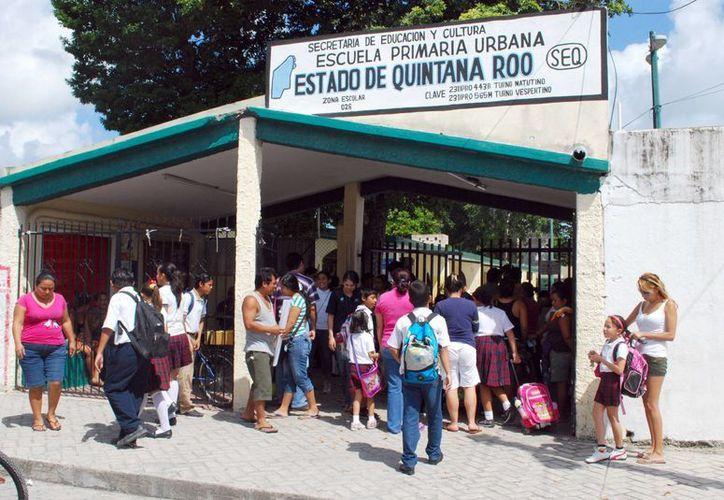 Los padres son mal informados en las escuelas sobre el tema de la reforma educativa. (Tomás Álvarez/SIPSEW)