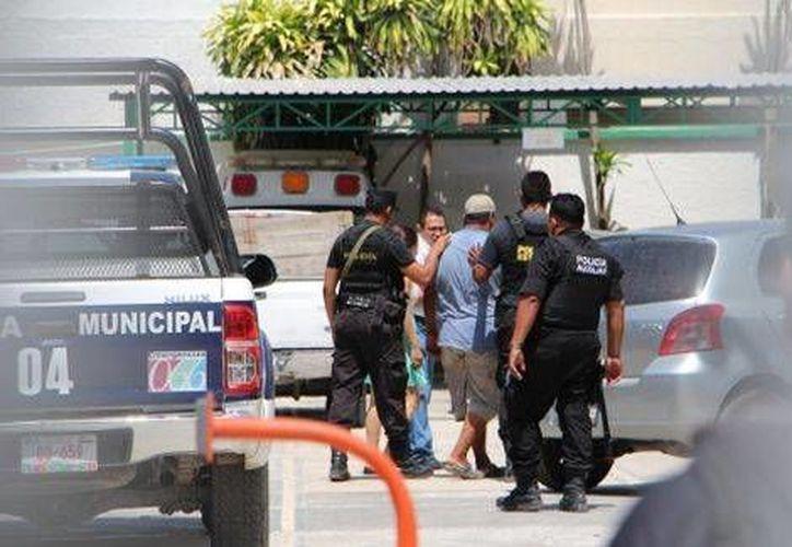 Los seis detenidos, vehículos y el hidrocarburo quedaron a disposición del agente del Ministerio Público de la Federación (Edgar Itche/Milenio)