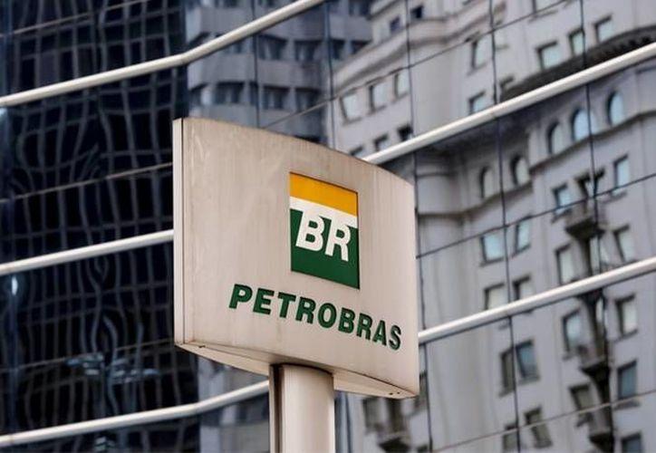 En el escándalo de corrupción en Petrobras se han visto involucrados decenas de políticos. (Archivo/Reuters)