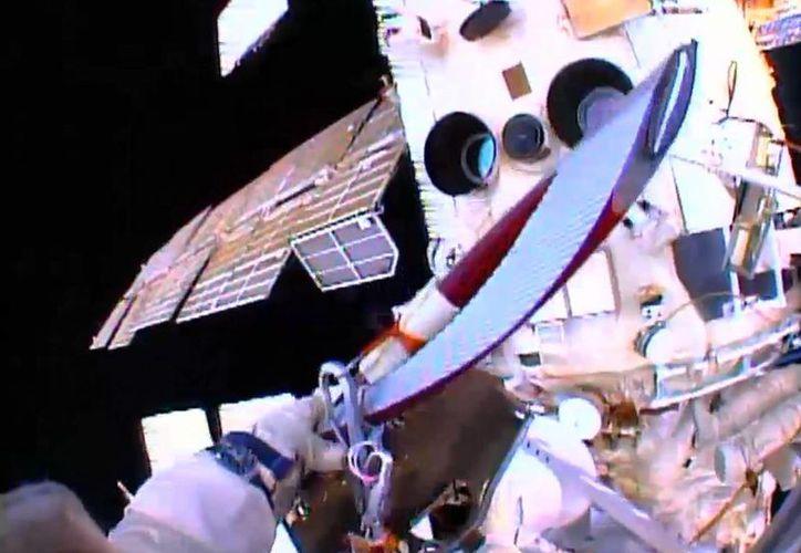 El 'relevo' olímpico regresará a la Tierra el próximo lunes para retomar su camino rumbo a Sochi. (Foto: Agencias)