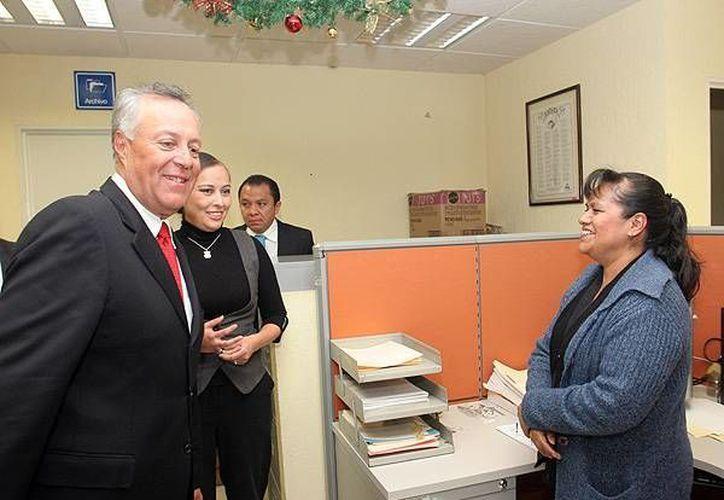 Obras valuadas en 53 millones de pesos fueron inauguradas en Michoacán por el subsecretario de Ordenamiento Territorial de la Sedatu, Gustavo Cárdenas Monroy. (sedatu.gob.mx)