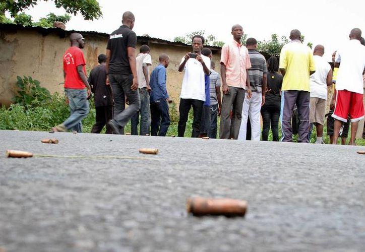 Ataques en diferentes puntos de la capital de Burundi dejaron un número aún no determinado de víctimas. (AP)