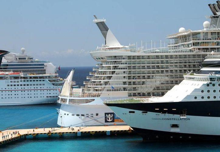 El jueves 9 de enero Majahual recibirá a 3 hoteles flotantes, y que son el Carnival Dream, Norwegian Dawn y el M/V Riviera. (Redacción/SIPSE)