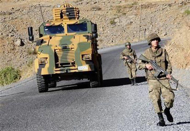 El ejército turco ha mantenido violentos enfrentamientos con el grupo separatista PKK. (Archivo/Reuters)