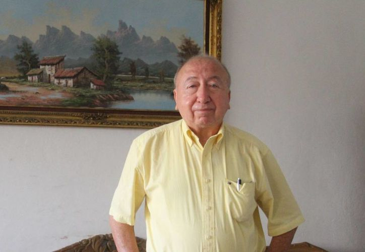 Eddie Salazar Gamboa abrió las puertas de su casa para hablar sobre su vida y trayectoria. (César González/SIPSE)