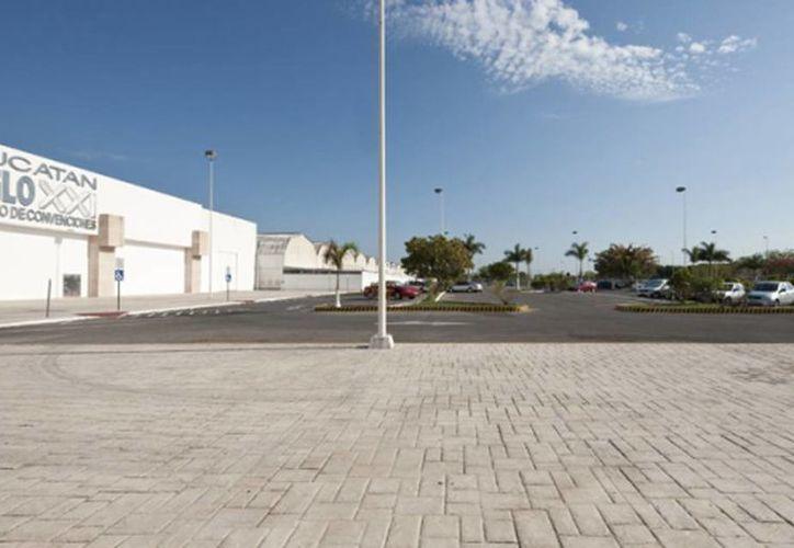 Una caravana de botargas partirá de la Canaco Servytur al Centro de Convenciones Yucatán Siglo XXI, este jueves a las 15:00 horas. (yucatansigloxxi.com)