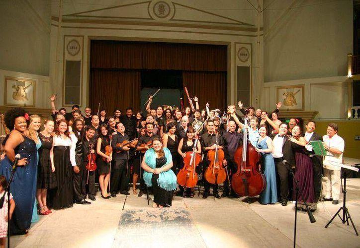 La compañía Ópera Maya se presentará hoy en Playa del Carmen.  (Cortesía)