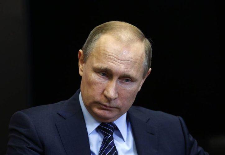 El presidente de Rusia, Vladimir Putin, de advirtió que habrán 'consecuencias significativas' ante el derribamiento de un avión militar ruso por parte de Turquía. (Agencias)