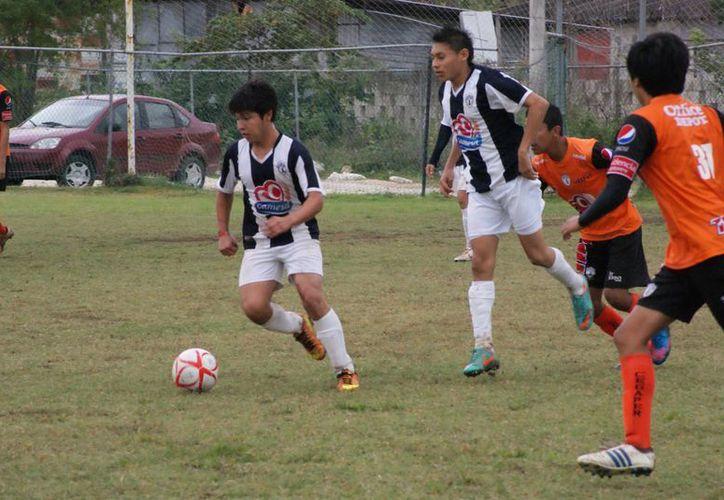 Intensa actividad se vivió en el torneo, en el cual participan varias escuelas de Pachuca. (Raúl Caballero/SIPSE)