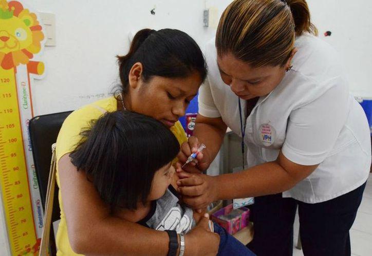 La Secretaría de Salud de Quintana Roo afirma que cuenta con 12 mil vacunas contra sarampión y rubéola. (Daniel Tejada/SIPSE)