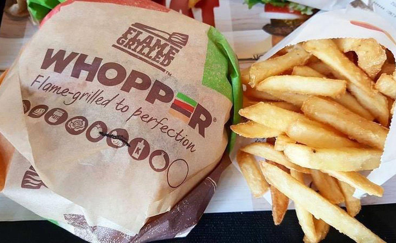 Hoy es Burger Day, Carl's Jr. venderá hamburguesas a 1 peso