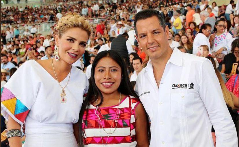 La actriz estuvo junto al gobernador de Oaxaca, Alejandro Murat. (Twitter @alejandromurat)