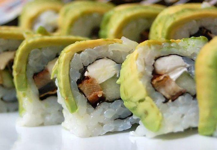 A consecuencia de la intoxicación con sushi, tres negocios fueron clausurados y hay seis con suspensión precautoria. (eatquik.com/Foto de contexto)