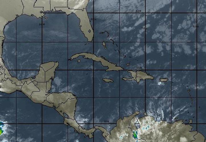 Se espera cielo parcialmente nublado, con probabilidad de lluvias del 10 por ciento y rachas de vientos de 15 a 25 kilómetros por hora. (Intellicast)