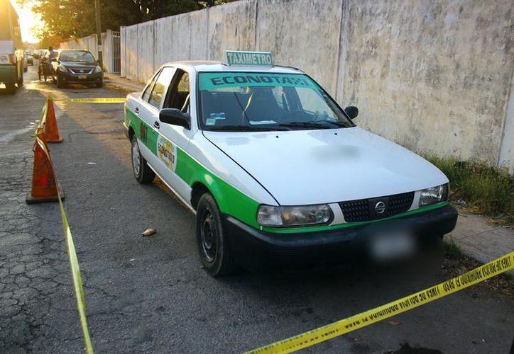 Los policías detuvieron a los dos sicarios tras bajarse de un taxi por la terminal del ADO. (SIPSE/Archivo)