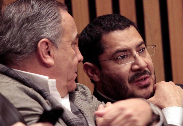 Martí Batres, presidente de Morena, asistió a la entrega del registro de la agrupación como partido político. (Notimex)