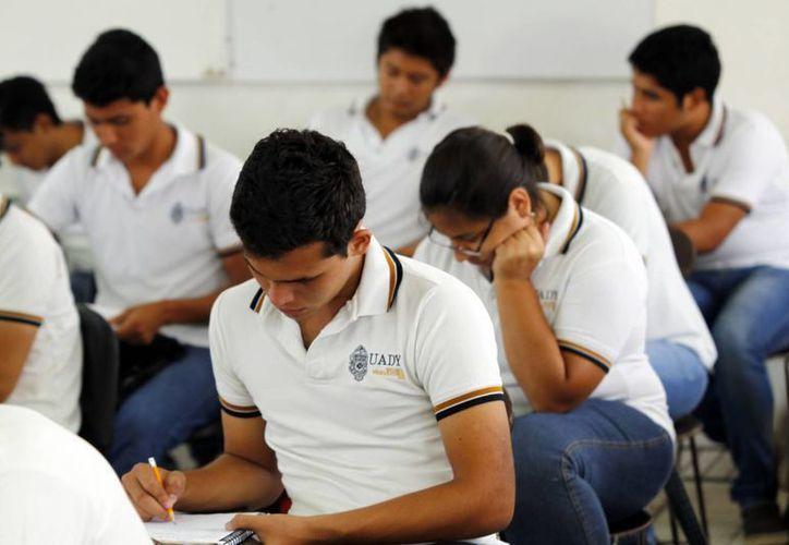 Mediante la página web de la SEE los egresados de secundaria podrán conocer las opciones académicas más cercanas a sus casas. (SIPSE)