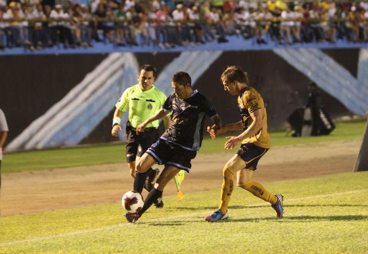 Acciones en la pasada Copa MX en el estadio Olímpico. (SIPSE)