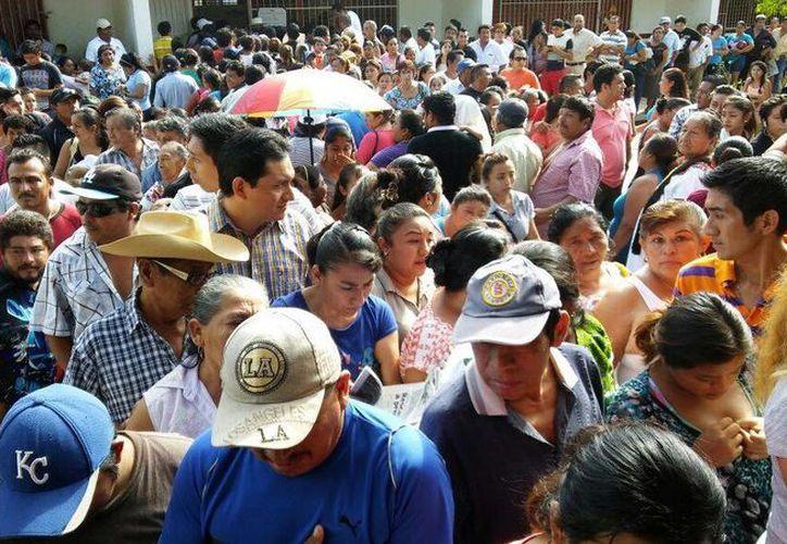En la apertura de casillas del primer proceso electoral que como municipio José María Morelos, reinó el caos; sin embargo, no hubo incidentes qué lamentar, como parte de las Elecciones 2016 en Quintana Roo. (SIPSE)