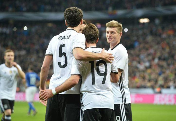 La selección bávara revivió de cara a los malos resultados que venía arrastrando en sus últimos dos duelos.  (Imágenes de AP)