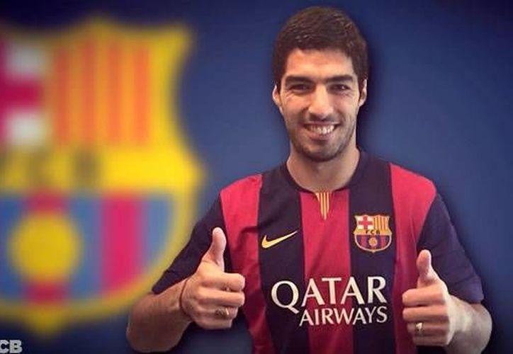 El fichaje de Luis Suárez es uno de los más destacados en el mercado de piernas del futbol europeo. (Facebook)