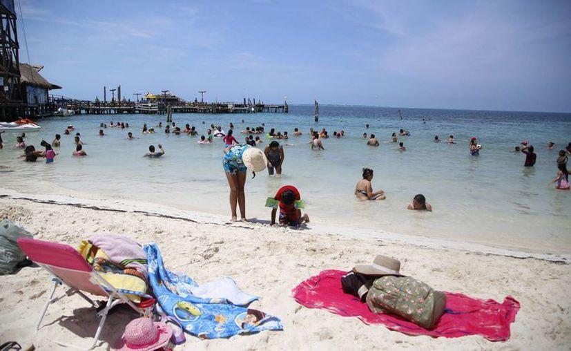 Predomina la presencia de visitantes mexicanos en este verano. (Israel Leal/SIPSE)
