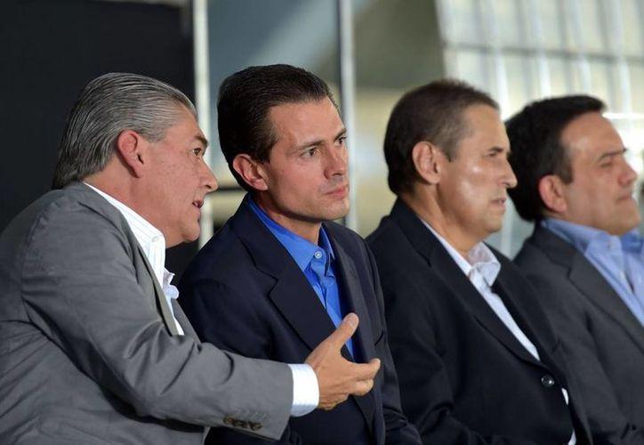 Peña Nieto dijo que su gobierno seguirá privilegiando la inversión pública en infraestructura. La imagen corresponde a la inaguración del estadio Monterrey, el pasado sábado. (Presidencia)