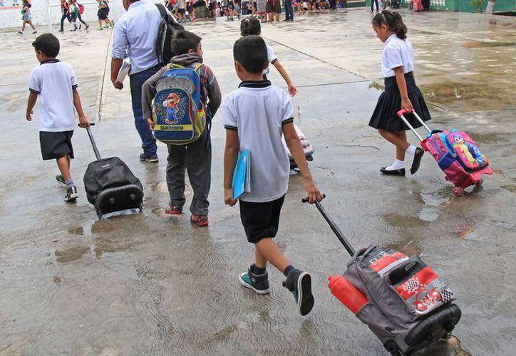 Existen en Benito Juárez alrededor de 146 mil alumnos que saldrán de vacaciones. (Jesús Tijerina/SIPSE)