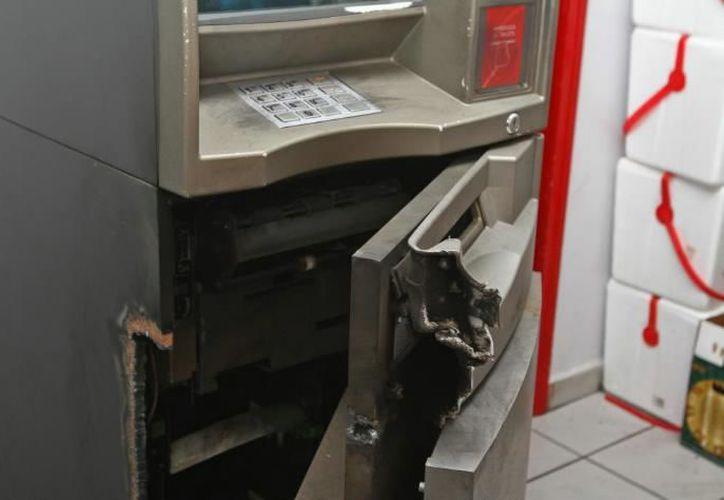 Un hombre fue detenido en el centro de Bacalar cuando intentaba abrir un cajero automático. (Contexto)