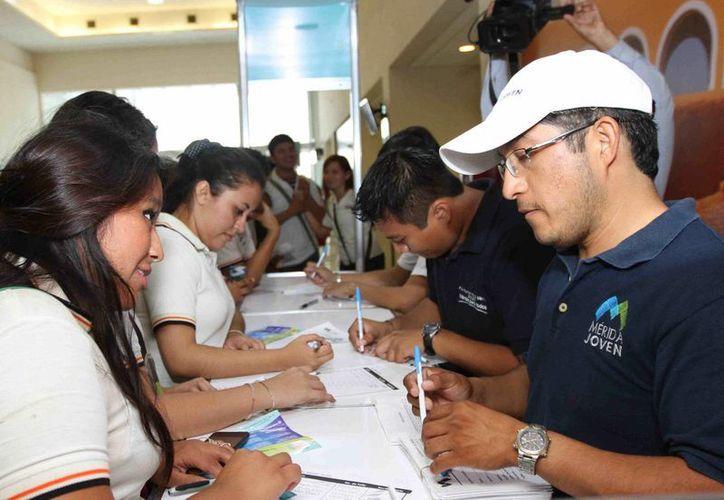 Este miércoles se inauguró en el Centro de Convenciones Yucatán Siglo XXI la Expo Alternativa Joven. (SIPSE)