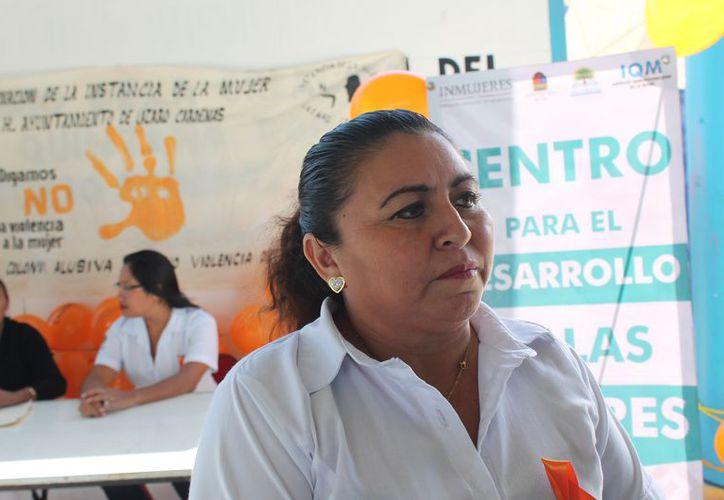 María del Rosario Baas Tuz dijo que se imparten talleres dentro del Día Naranja. (Raúl Balam/SIPSE)