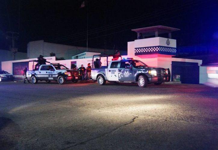 Los elementos de la SSP fueron trasladados a Xalapa para que rindieran su declaración.(cronicatierrablanca.com.mx)