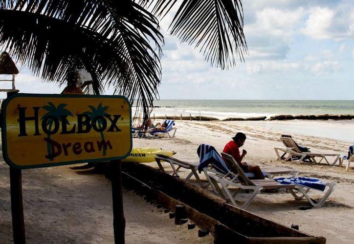 La isla de Holbox espera lleno total durante la temporada decembrina. (Francisco Gálvez/SIPSE)
