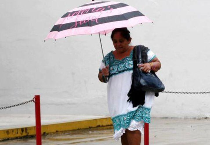 Un chubasco bañó a Mérida. (Christian Ayala/SIPSE)