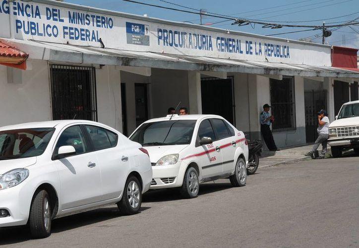 Los presuntos pescadores furtivos fueron remitidos a la Procuraduría General de la República. (Julián Miranda/SIPSE)