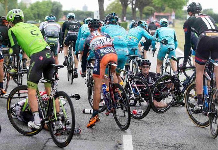 Alberto Contador perdió la Maglia Rosa a causa de un accidente en el Giro de Italia. (Fotografía: Giro d' Italia.com)