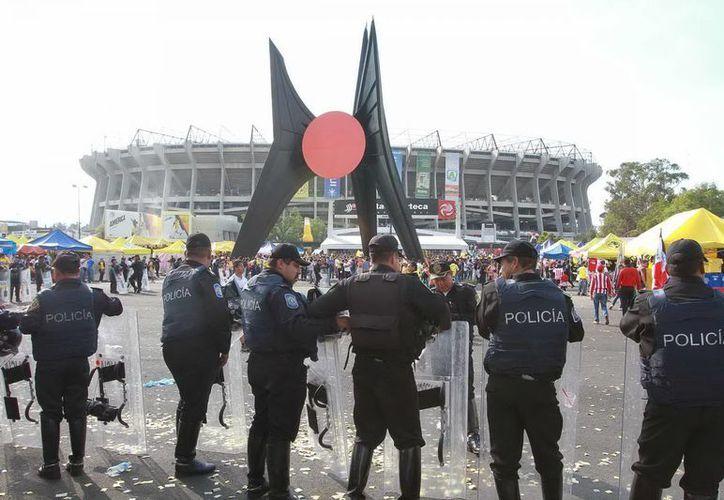 La nueva ley pretende reducir a cero la violencia en los estadios provocada por alcohol y drogas. (Archivo Notimex)