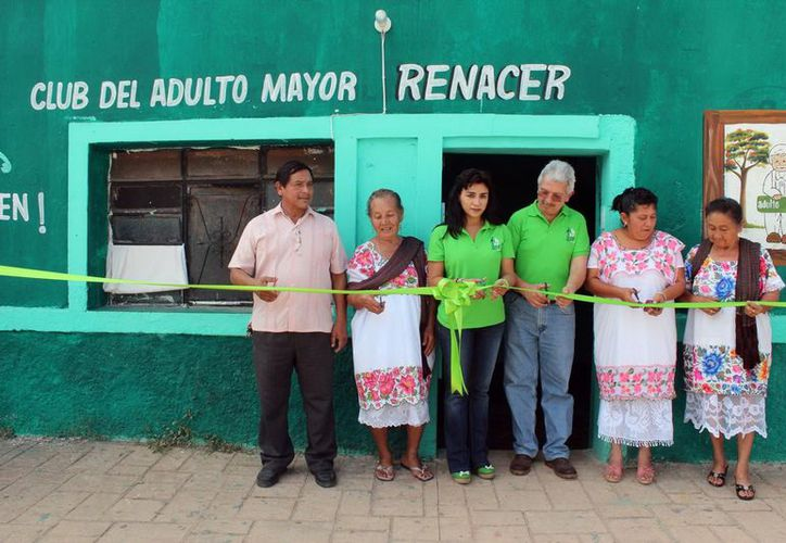 """Inauguración del Club del Adulto Mayor, """"Renacer"""", en Santa Elena. (Milenio Novedades)"""