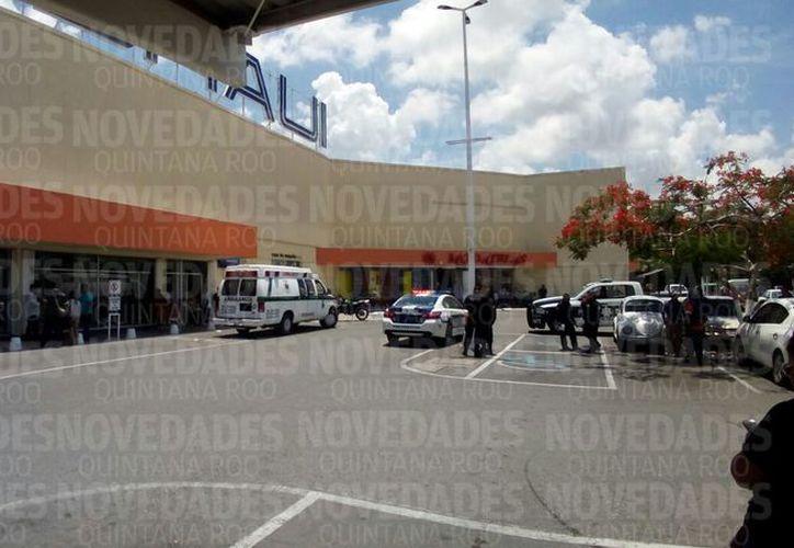Autoridades municipales se trasladaron al lugar. (Eric Galindo)