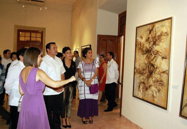 Tan solo la yucateca Celina Fernández expone 20 obras. (Milenio Novedades)