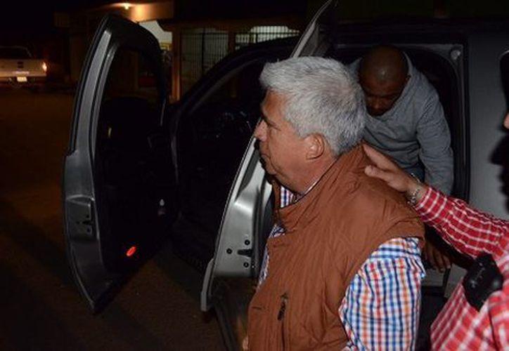 Trasladaron a Valencia García a los juzgados del penal de Pacho Viejo, para que juez legalice su detención (Foto: Especial)