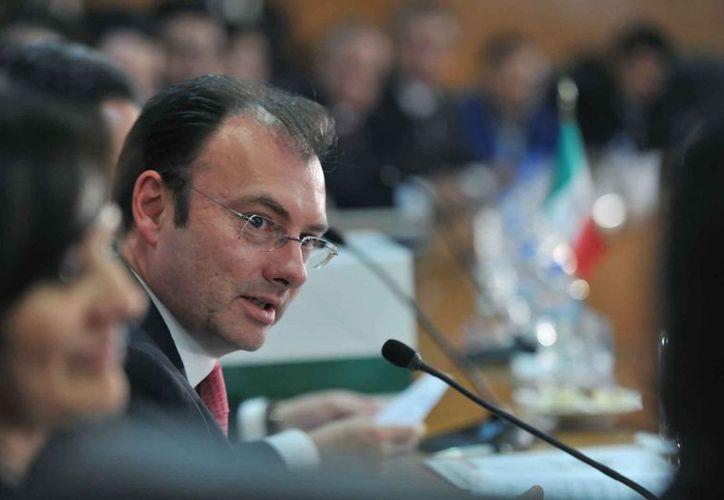 El secretario de Hacienda dijo que es indispensable frenar el uso irresponsable de los recursos. (Notimex)